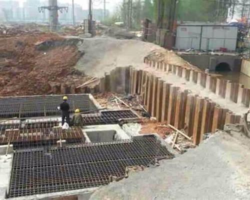 黄石拉森钢板桩施工